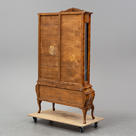 An italian rococo style cabinet, mid 20th century.