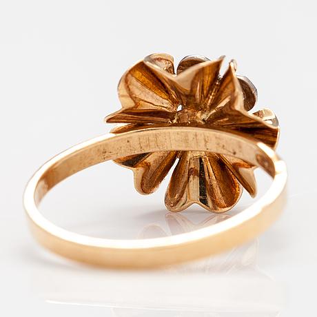 Elis kauppi, a 14k gold ring with diamonds ca. 0.14 ct in total. kupittaan kulta,turku.