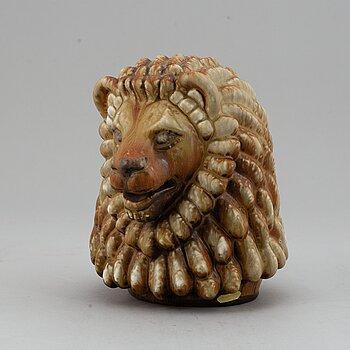 GUNNAR NYLUND, a stoneware sculpture of a lion's head, Rörstrand, Sweden mid 1900's.