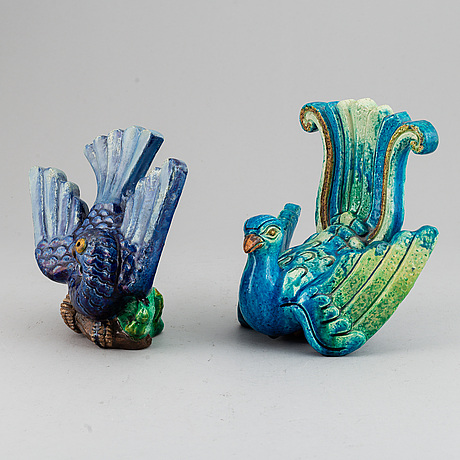Gunnar nylund, two stoneware sculptures of exotic birds, rörstrand, sweden mid 20th century.