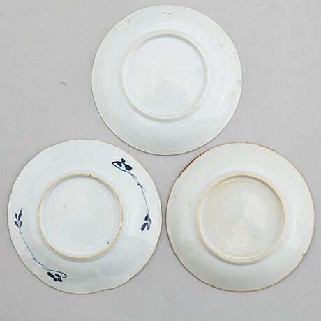 SmÖrterrin med lock, samt två koppar och tre fat, kompaniporslin. qing dynastin, qianlong (1736-95).