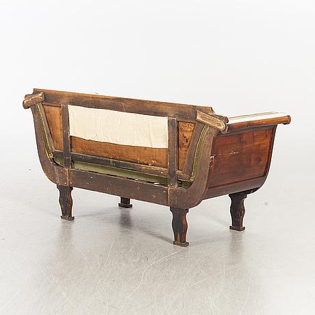 Soffa senempire 1800-talets mitt.