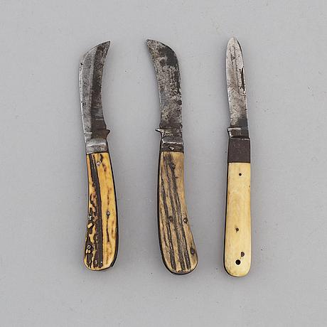 FÄllknivar, 3 st, ben, 1900-tal.