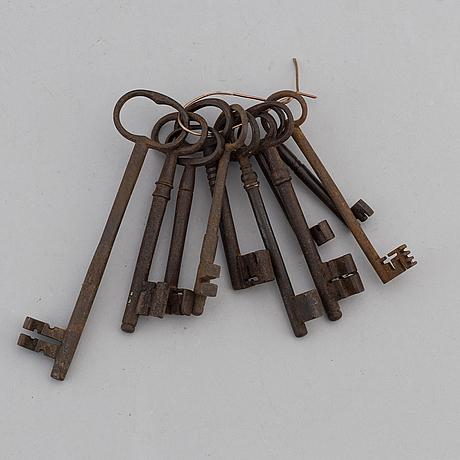 Nycklar, 10 st, smide och brons, 1600-/1700-tal.