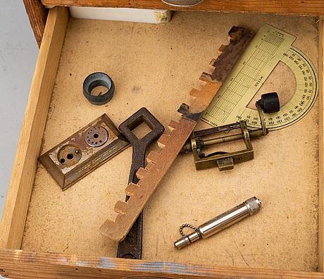 Urmakarverktyg med tillbehör, 1900-talets början.