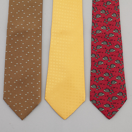 HermÈs, a set of three silk ties.