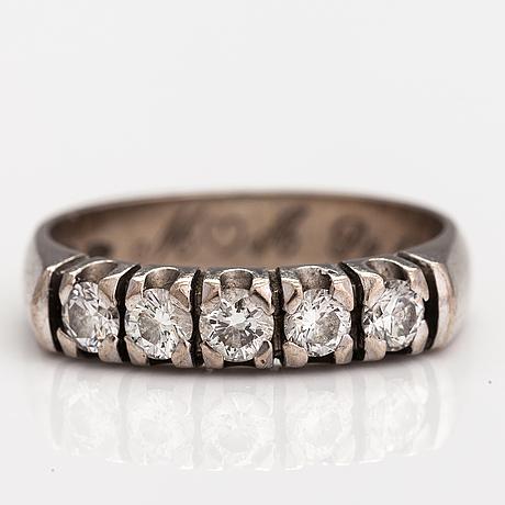 A 14k white gold ring with diamonds ca. 0.50 ct in total. mallikoru, helsinki 2006.