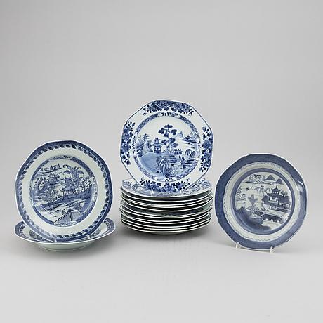 Tallrikar, 16 st, kompaniporslin. qingdynastin, 1700-tal.