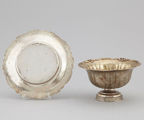 Gustaf mÖllenborg feron, a parcel gilt silver sauce bowl, stockholm, 1864-6.