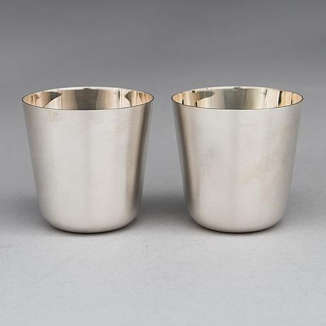 Pekka piekäinen, a silver punch bowl with ladle and six beakers, marked pp, auran kultaseppä, turku 1975-76.