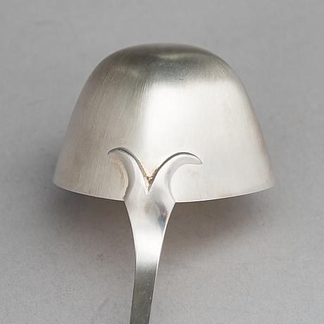 Pekka piekäinen, bålskål med slev och 6 st bägare, silver, stämpelsignerade pp, auran kultaseppä, Åbo 1975-76.