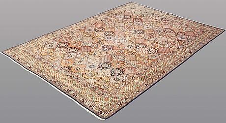 A rug, silke kashmir, 274 x 182 cm.