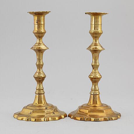 Ljusstakar, ett par, england, 1700-talets första hälft.