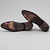 Louis vuitton, a pair of black leather brogues, size 9½.