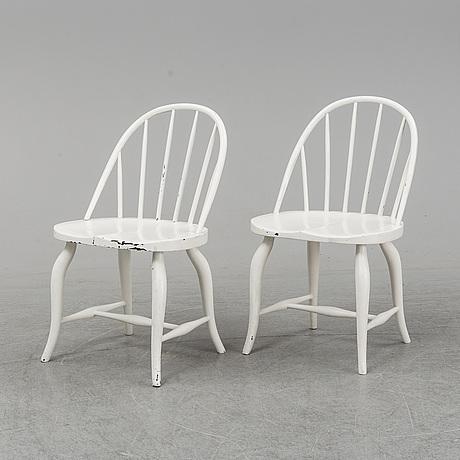 Uno ÅhrÉn, a pair of chiars, gemla, diö, circa 1930.