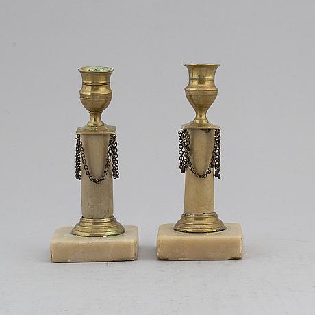 Ljusstakar, ett par, sengustavianska, 1800-talets början.