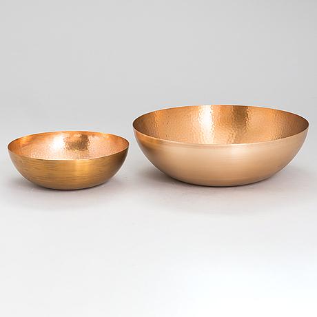 Tapio wirkkala, two bronze bowls, tw 476, kultakeskus, hämeenlinna. design year 1974.