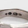 Sormus, 18k valkokiltaa, princess ja briljanttihiottuja timantteja n. 0.69 ct yht. suomi 1999.