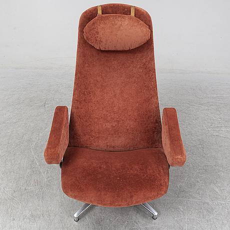 Alf svensson, a 'contourette roto' easy chair from dux.