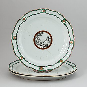 Three famille rose dishes, Qing dynasty, Qianlong (1736-95).