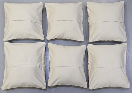 Six kilim cushions, around 50 x 50 cm.