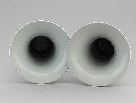 A pair of chinese famille verte trumpet vases, 20th century.