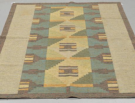 A carpet, flat weave, signerad, kp (kerstin persson), ca 199 x 139 cm.