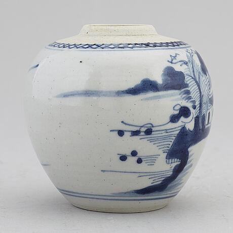 A blue and white jar, qing dynasty, qianlong (1736-95).