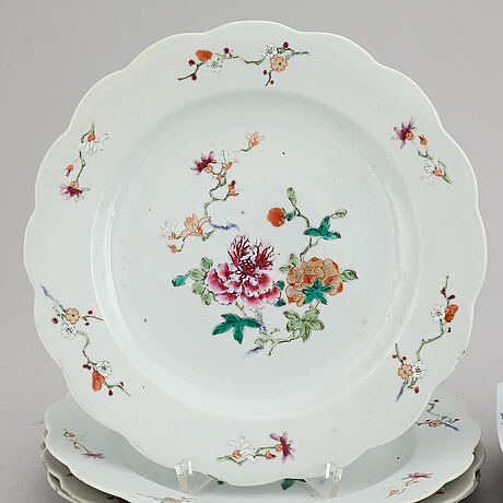 A set of eight (4-4) export plates, qing dynasty, qianlong (1736-95).
