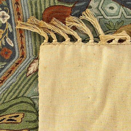 A semiantique oriental woven fabric, ca 156 x 94 cm.