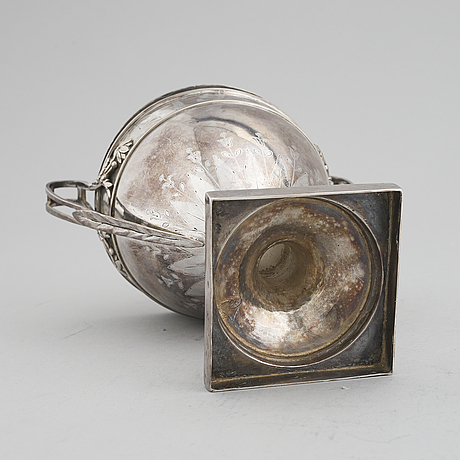 Roch-louis dany, sockerskål, silver, (verksam 1779-1809), paris, frankrike, 1789.