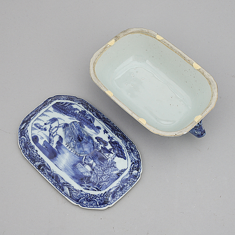 A blue and white butter tureen with cover qing dynasty, qianlong (1736-95).