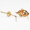Two brooches, 14k and 18k gold. oskar lindroos helsinki 1944 och g. dahlgren & co, malmö 1957.