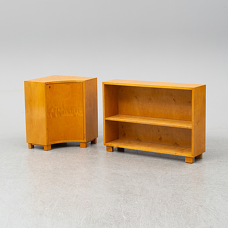 A funkis bookshelve with a corner cabinet, 1930s.