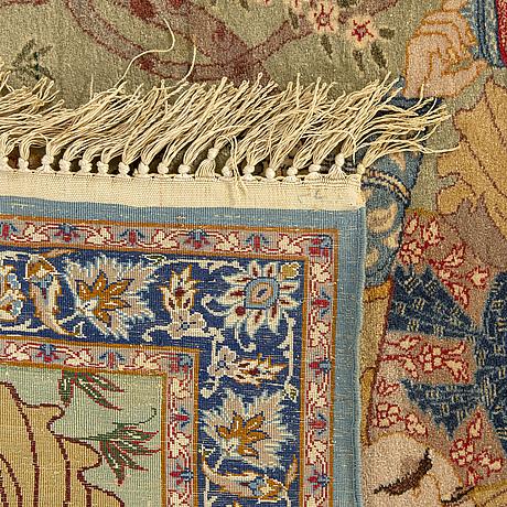 A semiantique isfahan carpet ca 102 x 73 cm.