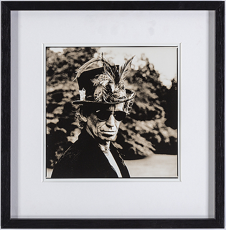 Anton corbijn, gelatin silver print, verso with copyright-label, 1994.