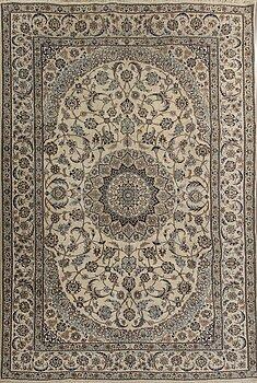 MATTA, Nain, part silk old ca 357 x 246 cm.
