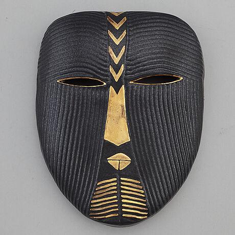 Lisa larson, a stoneware mask from k-studion, gustavsberg.