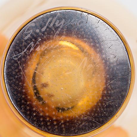 Gunnel nyman, vas, glas, signerad med syrapenna g. nyman nuutajärvi notsjö.