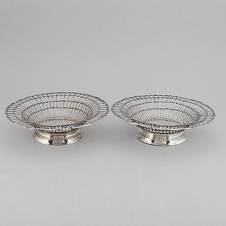 Cg hallberg, gallerskålar, ett par, silver, stockholm 1912.