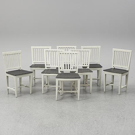 Eight peinted pine chairs, 19th century.