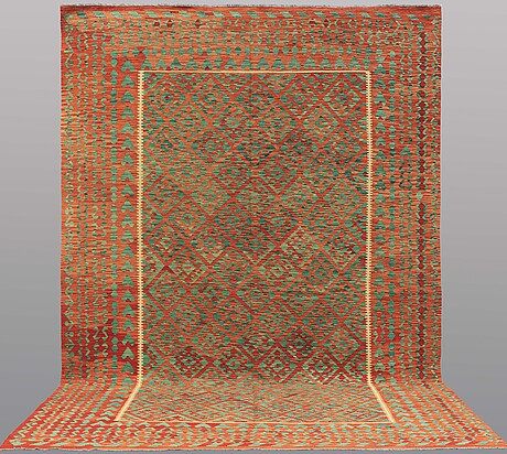 A carpet, kilim, ca 437 x 299 cm.