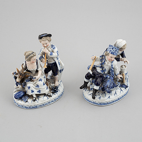 A pair of german porcelain figurines, circa 1900.