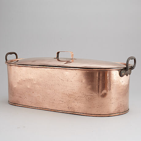 A copper kettle from the early 20th century.