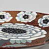 "Birger kaipiainen, fat, ""fiori"", keramik, ""birger kaipiainen, arabia art made in finland 1983"", numrerad 1903/2000."