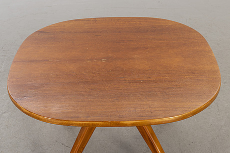 A 'futura' table designed by david rosén for nordiska komapniet (nk), sweden.