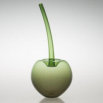TIMO SARPANEVA, a 'Wild apple' sculpture signed Timo Sarpaneva, Iittala 1994.