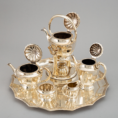 A gerrman 20th century silver 800/1000 tea- and coffee-set.