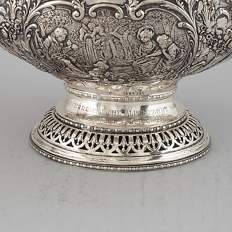 A german late 19th/early 20th century silver bread basket.