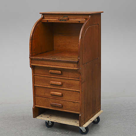 A cabinet from the forst half of the 20th century.